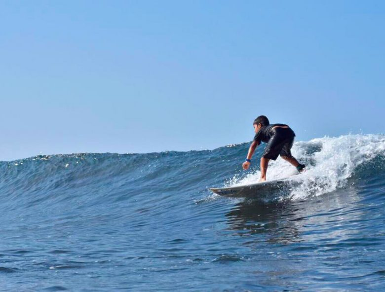 Surf lessons for intermediate