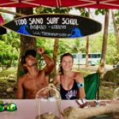Surf school in Dominical, Costa Rica